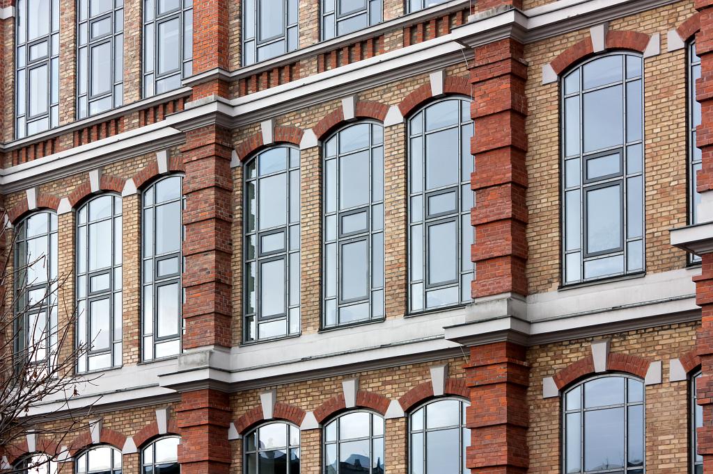 SWA III, detail východní fasády přádelny s novými okny – foto: Lukáš Beran