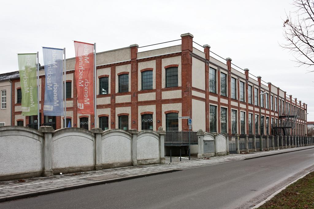 AKS, severovýchodní pohled skladiště výrobků, dnes TIM – foto: Lukáš Beran