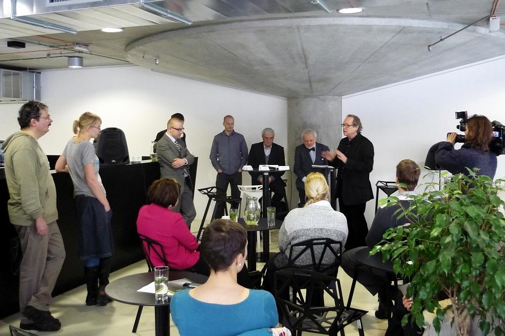Publikace byla představena 5. února 2010 v Café Technika, v nové budově Národní technické knihovny v Praze-Dejvicích - foto: Jan Zikmund