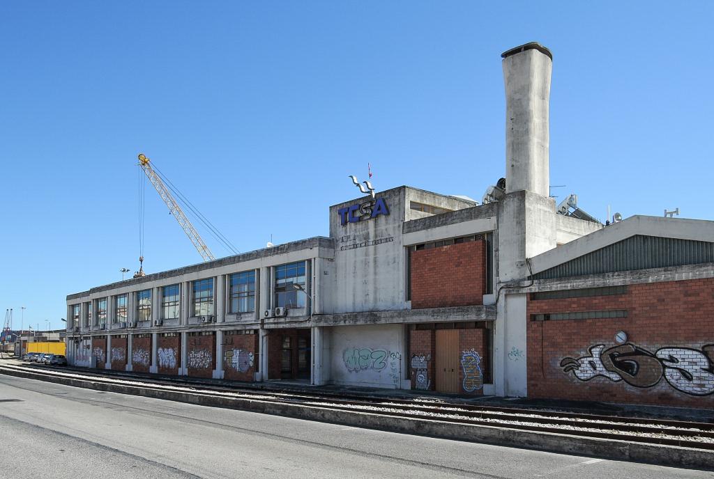 docomomo Lisboa – lisabonský industriál, 8CCGPV9M+JC (foto Jan Zikmund, 2016)
